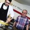 Daniel Canzian, chef de Il Marchesino a Milano, con Gualtiero Marchesi durante la preparazione del Riso oro e zafferano