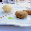 Gran pranzo al Bikini. Appetizer: calzoncino ripieno di fiordilatte, polpetta di melanzana e alice ripiena. Le foto sono di Tanio Liotta