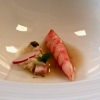 The chef has an extraordinary talent for giving new life to fine dining ingredients-pillars that are often exploited and thus trivialised. He gives some clamorous interpretations: this happened in the past with Scallops, carrots, ginger and green apple (read here. But he even presented a version lacquered with white chocolate), and more recently with the extraordinary Red prawn, bergamot, camomile, oats and mortadella, which Matteo Zappile, guiding one of the two or three best dining room services in Italy by himself after Gennaro Buono left (in our case with the excellent help of Giovanni Trani and young Luca Belleggia, born in Macerata in 1990), pairs with a rosé sparkling saké. Wow