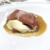 «I asked myself, why not serve saltimbocca alla romana?». Here it is: raw Piedmontese meat, culatello, butter emulsified with a little flour, thus adding a classic saltimbocca element, then an extract of sage and white wine – the sage is previously micro-fermented close to the stove. «In France cuisine is only about fine dining. In Italy, cuisine comprises everything». Taglienti uses the word vision for this dish